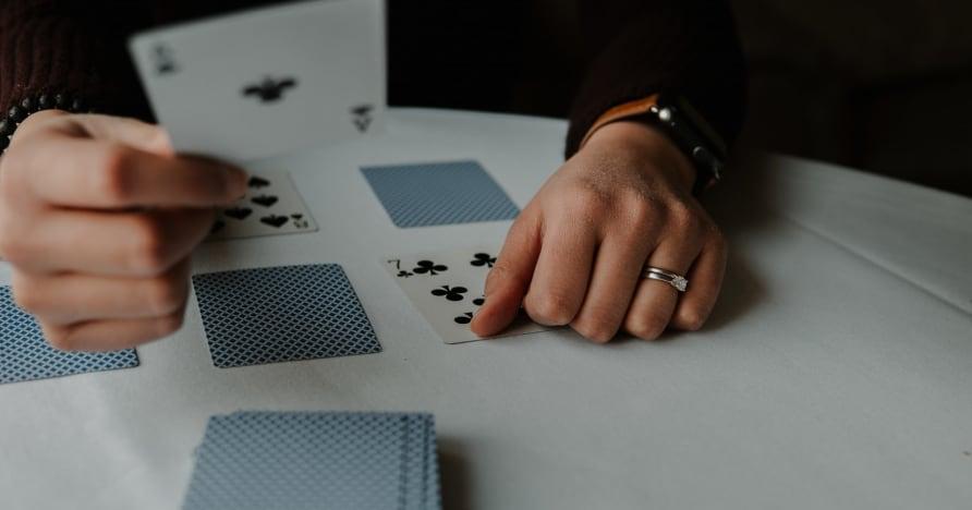 RNG Blackjack Vs. Blackjack Dealer Langsung